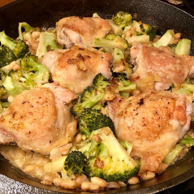 Chicken Thighs with Broccoli and Cannellini Beans